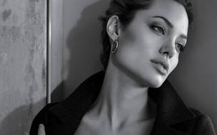 Preview_sergi_angelina_jolie_1280x800