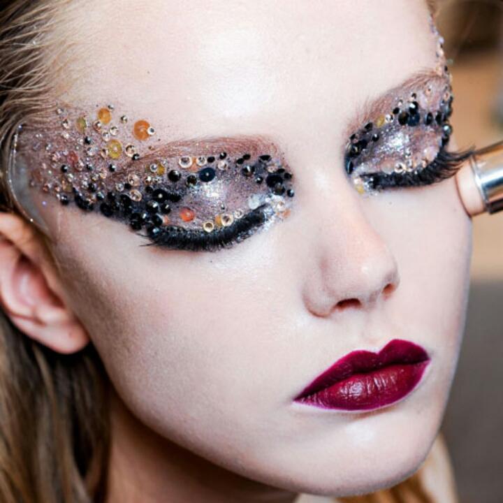 Любой образ не будет законченным и гармоничным без макияжа