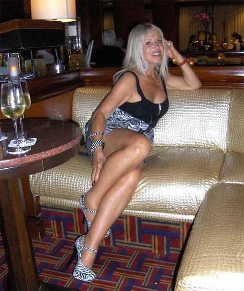 Большой клитор распрекрасной блондинки  Эротика фото