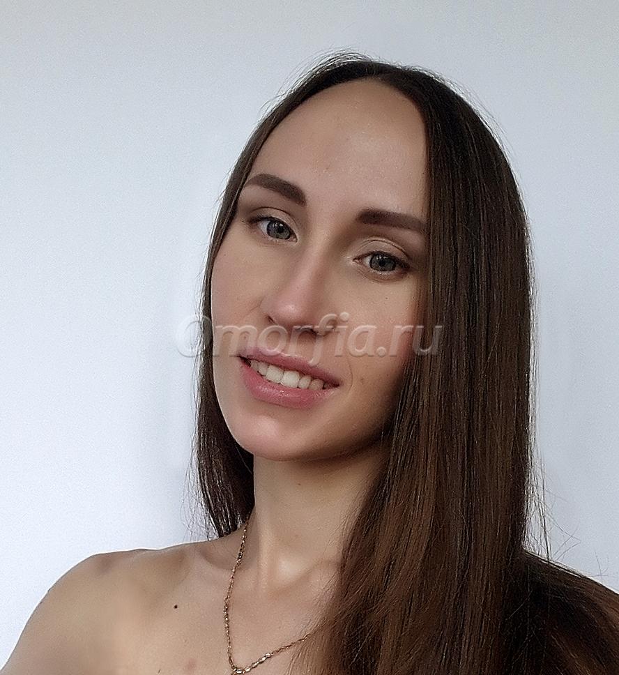 девушка гипс фото
